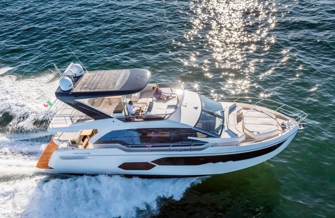 quanto costa uno yacht absolute 58 fly