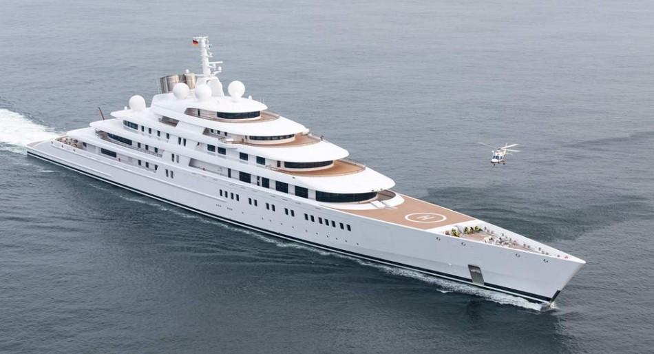 quanto costa uno yacht Azzam da 180 metri