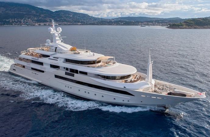 quanto costa uno yacht CRN