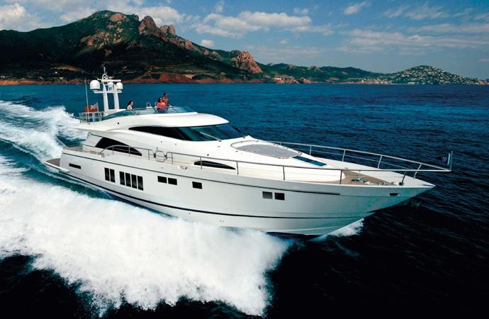 quanto costa uno yacht fairline 78 squadron